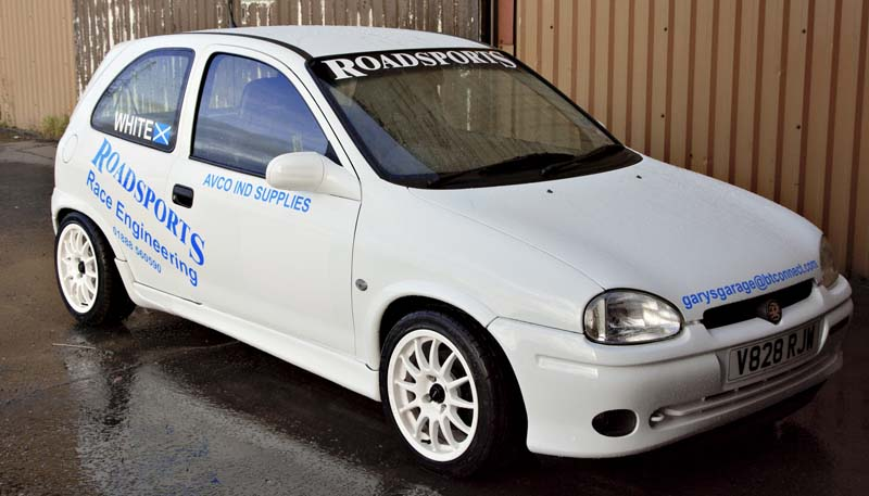 High quality vinyl sign writing for cars